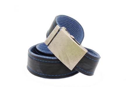 pásek modré džíny s nápisem KENDA