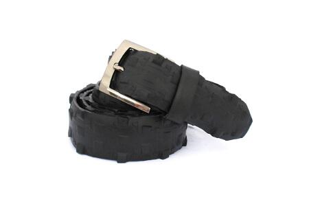 Pánský černý opasek TIRE vhodný ke kalhotám